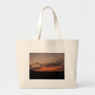 Puesta del sol del desierto bolsa de mano