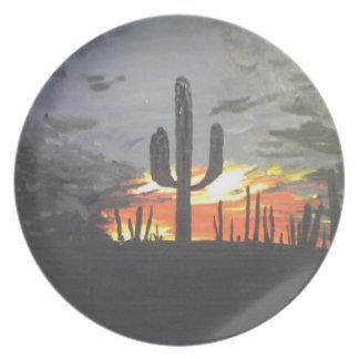 Puesta del sol del desierto plato de cena