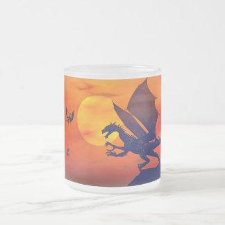 Puesta del sol del dragón taza de café esmerilada
