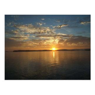 Puesta del sol del golfo de Alaska Postal