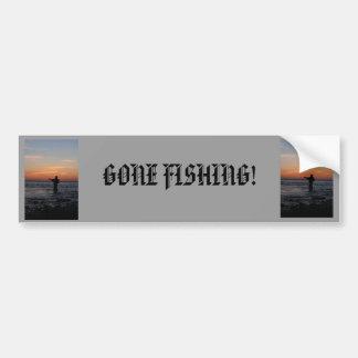 puesta del sol del hombre de la pesca, puesta del  etiqueta de parachoque