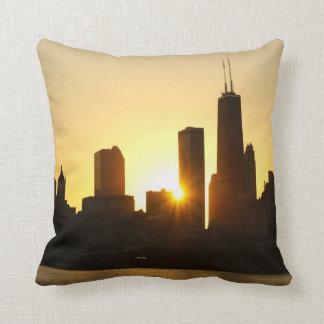 Puesta del sol del horizonte de Chicago Cojin
