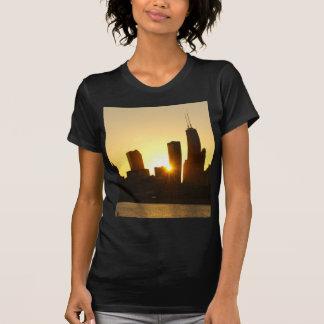 Puesta del sol del horizonte de Chicago Camisetas