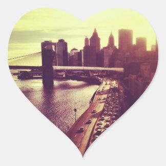 Puesta del sol del horizonte - puente de Brooklyn Pegatina En Forma De Corazón