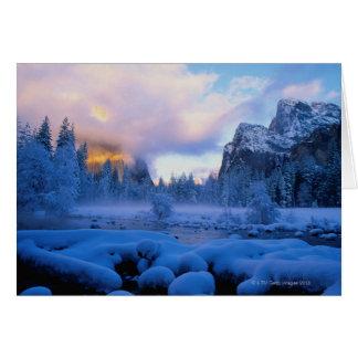 Puesta del sol del invierno en el parque nacional  tarjeta