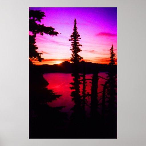 Puesta del sol del lago crater posters