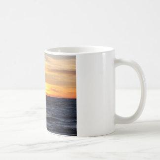 Puesta del sol del lago Michigan Tazas De Café