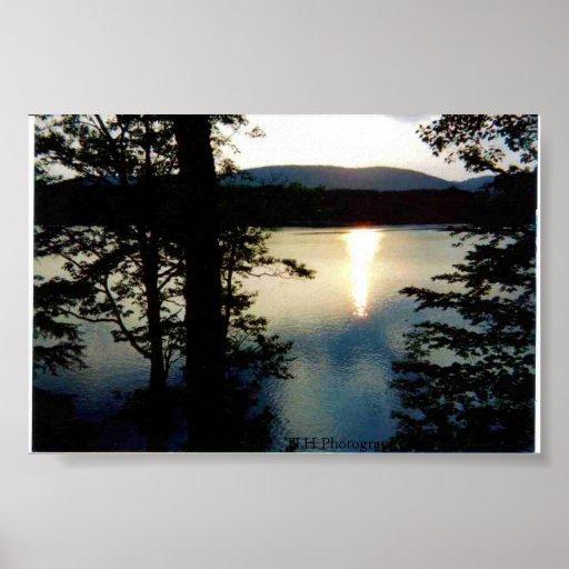 Puesta del sol del lago vermont póster