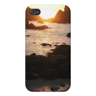 Puesta del sol del mar iPhone 4 protectores
