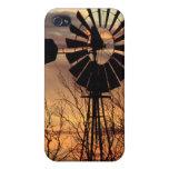Puesta del sol del molino de viento de Tejas iPhone 4 Fundas