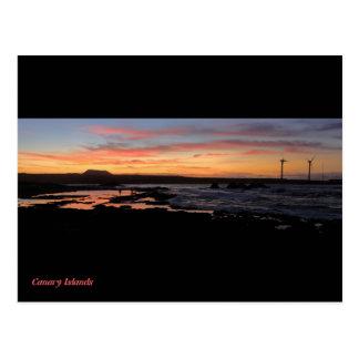 Puesta del sol del norte de la orilla de las islas postal