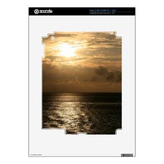Puesta del sol del océano en sepia calcomanía para iPad 2
