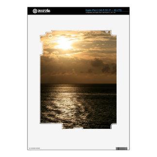 Puesta del sol del océano en sepia iPad 3 skins