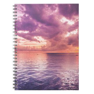 Puesta del sol del océano inspirada notebook