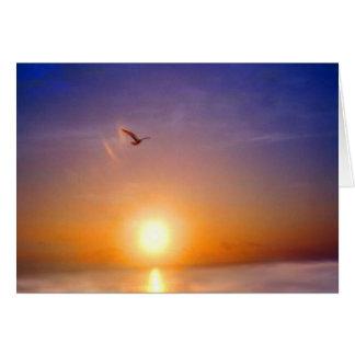 Puesta del sol del océano que piensa en usted tarjeta de felicitación