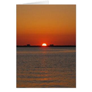 Puesta del sol del océano tarjeta de felicitación