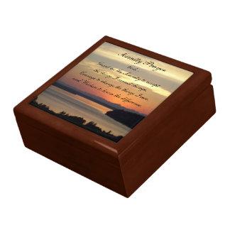 Puesta del sol del paisaje marino del rezo de la cajas de recuerdo