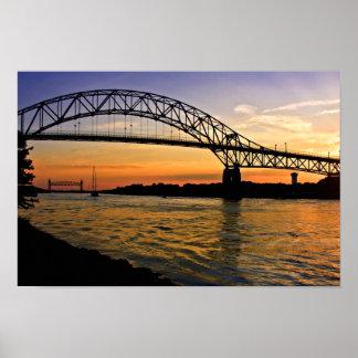 Puesta del sol del puente de Bourne Poster