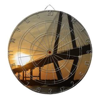 Puesta del sol del puente de Charleston Ravenel Tabla Dardos