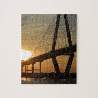 Puesta del sol del puente de Charleston Ravenel Rompecabezas Con Fotos
