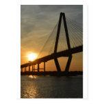 Puesta del sol del puente de Charleston Ravenel Tarjetas Postales