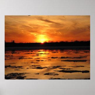 Puesta del sol del río Detroit Posters