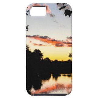Puesta del sol del río iPhone 5 cobertura