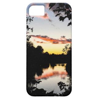 Puesta del sol del río iPhone 5 coberturas