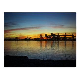 Puesta del sol del río Misisipi Tarjeta Postal