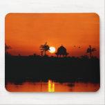 Puesta del sol del río Nilo Tapetes De Raton