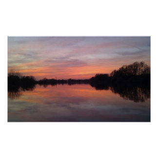 Puesta del sol del río póster