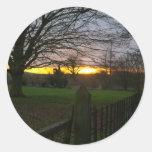 Puesta del sol del solsticio pegatina redonda