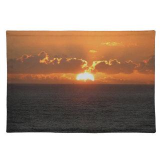 Puesta del sol del sur .2. de Autunm de la roca de Manteles