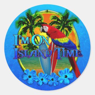 Puesta del sol del tiempo de la isla etiqueta redonda