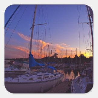 Puesta del sol del velero colcomanias cuadradass