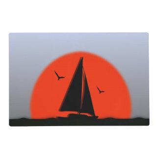 Puesta del sol del velero salvamanteles