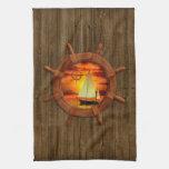 Puesta del sol del velero toallas de mano