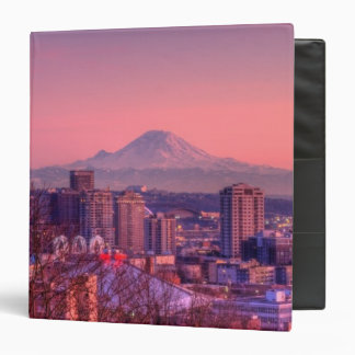 """Puesta del sol detrás del horizonte de Seattle del Carpeta 1 1/2"""""""