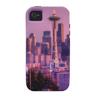 Puesta del sol detrás del horizonte de Seattle del iPhone 4 Funda