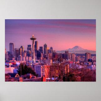 Puesta del sol detrás del horizonte de Seattle del Posters