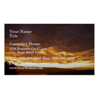 Puesta del sol dramática sobre el lago plantilla de tarjeta personal