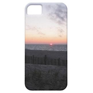 puesta del sol en caja del teléfono del lago iPhone 5 fundas