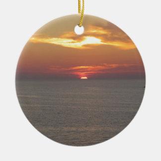 Puesta del sol en Clearwater Adorno Navideño Redondo De Cerámica
