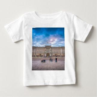 Puesta del sol en el Buckingham Palace, Londres Remeras