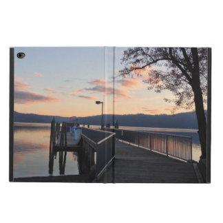 Puesta del sol en el caso del iPad del lago
