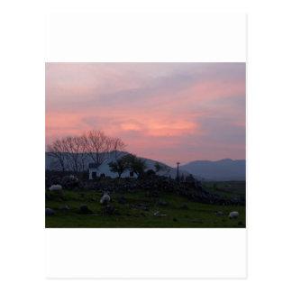 Puesta del sol en el condado Galway Irlanda de Con Tarjetas Postales