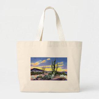 Puesta del sol en el desierto en New México Bolsas De Mano