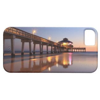 Puesta del sol en el embarcadero de la pesca, funda para iPhone 5 barely there