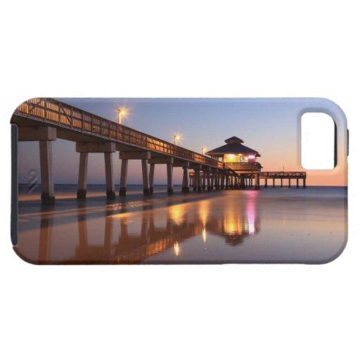 Puesta del sol en el embarcadero de la pesca, play iPhone 5 funda