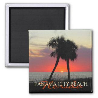 Puesta del sol en el imán de la Florida de la play